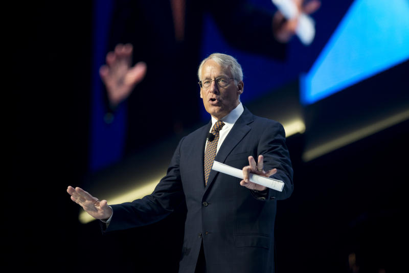Wal-Mart names new vice chairman to board
