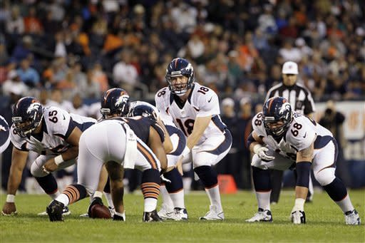 Manning makes cameo, Broncos beat Bears 31-3