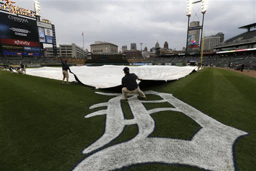 Royals-Tigers game postponed by rain