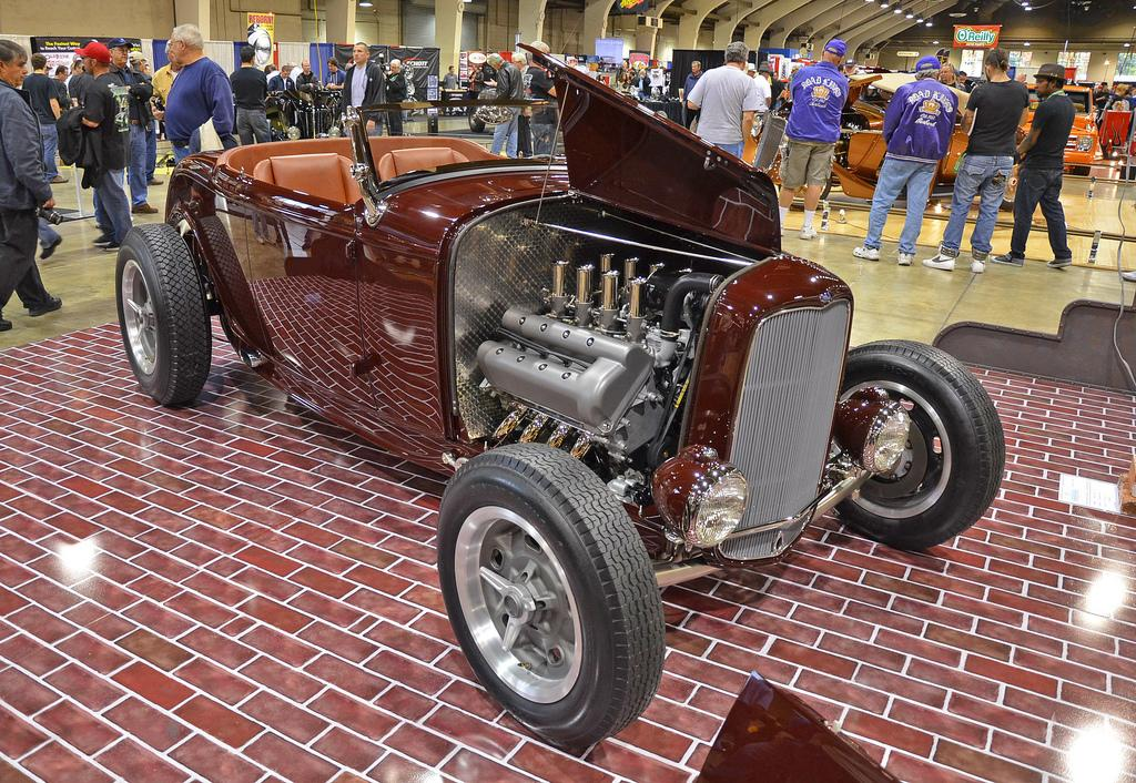 '32 Ford Roadster owned by Ford sales and marketing chief Jim Farley, powered by a modern 4.6 liter Ford V-8