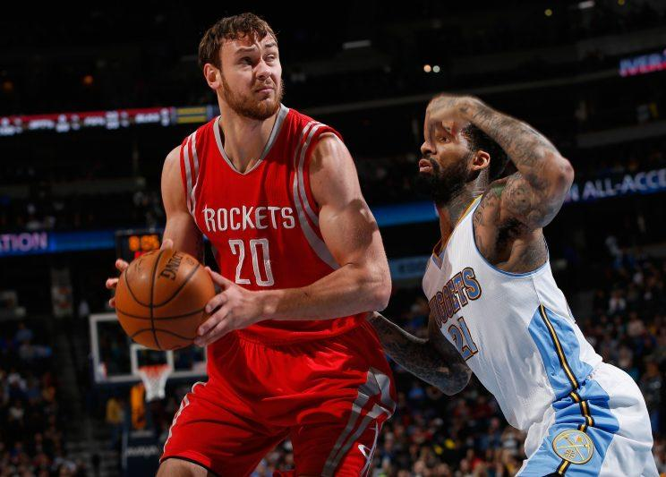sports.yahoo.com - Sources: Donatas Motiejunas signs offer sheet with Nets