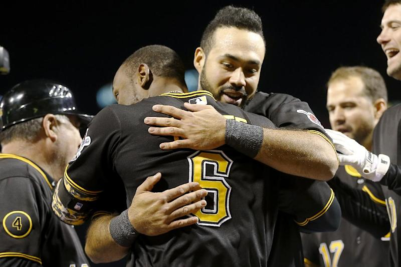 Pirates rally in 9th, beat Blue Jays 6-5