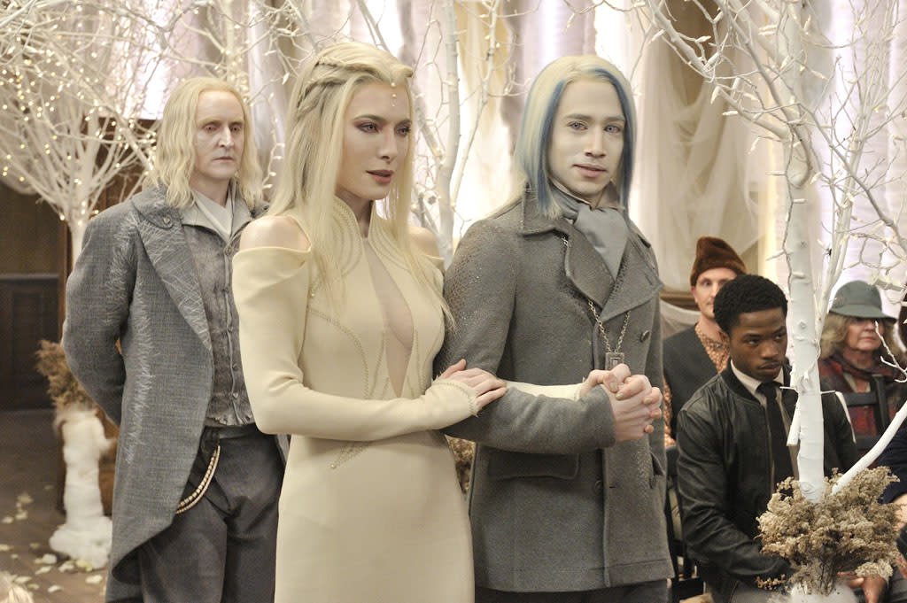 """Jaime Murray as Stahma Tarr and Jesse Rath as Alak Tarr in the """"Defiance"""" epsiode, """"The Bride Wore Black."""""""