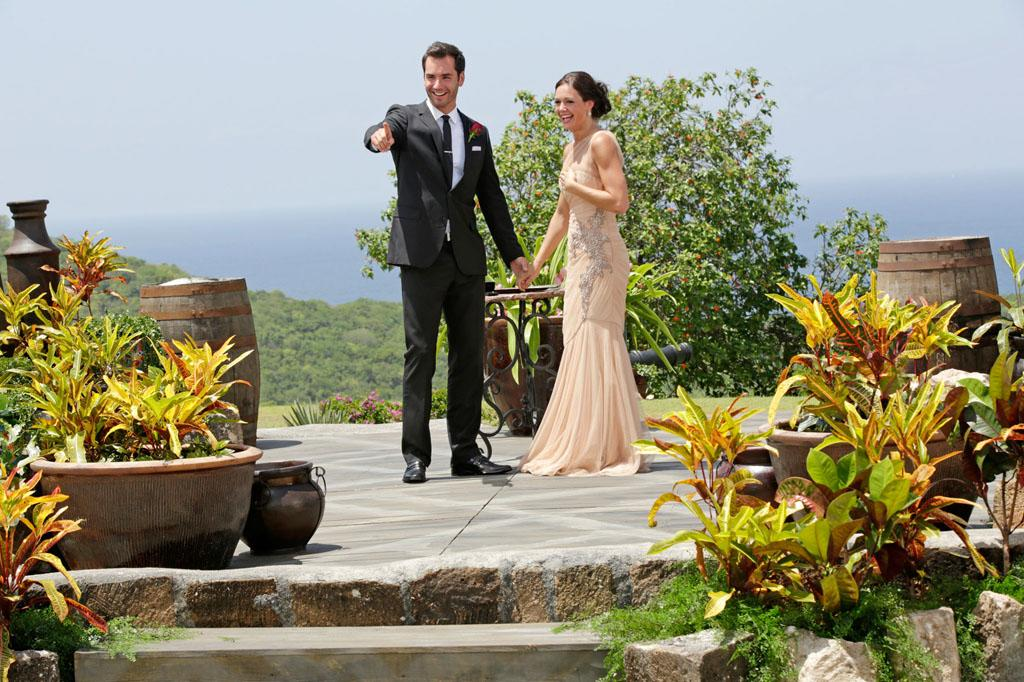 """In the dramatic second part of the Season Finale, Desiree Hartsock gave Chris Siegfried her final rose on """"The Bachelorette."""""""