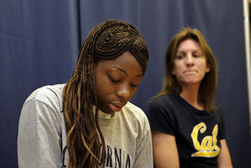 Former Cal basketball player earns college degree
