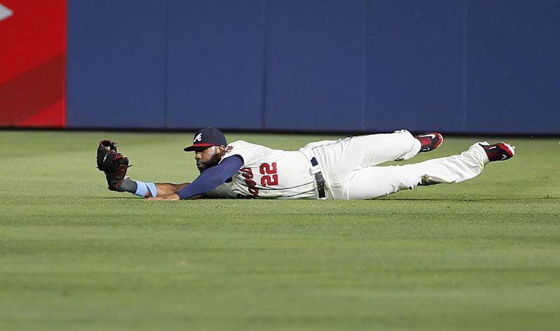 La Stella stays hot, Braves drop Angels, 7-3
