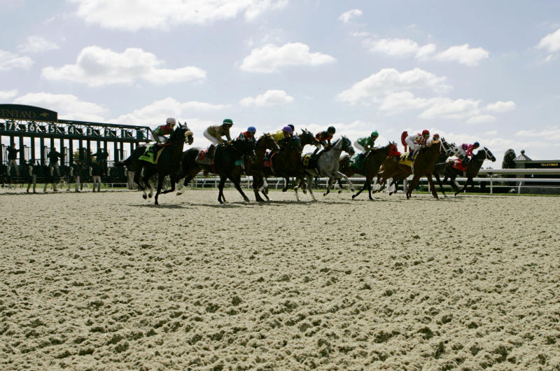 Keeneland to run its final races on Polytrack