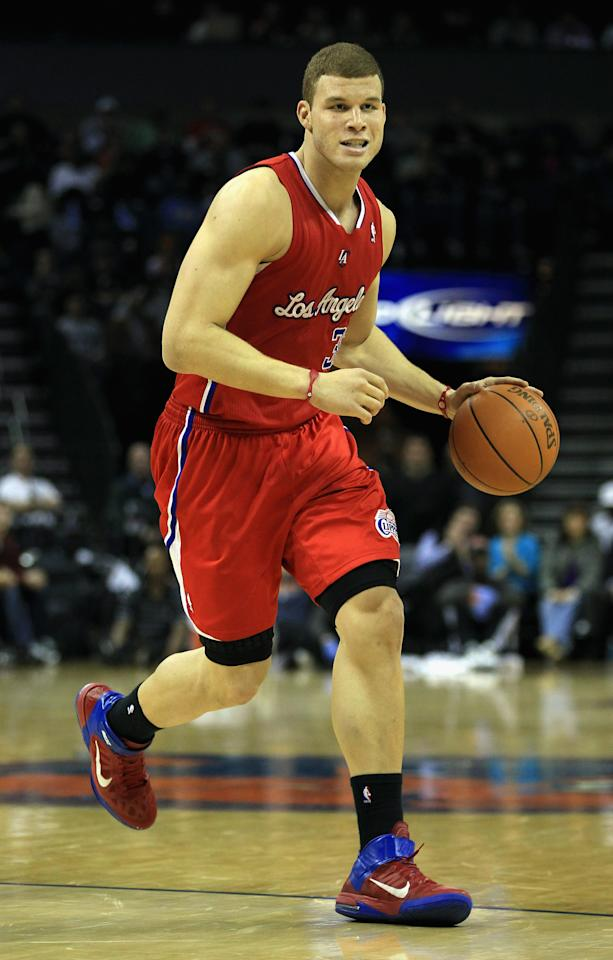 CHARLOTTE, NC - MARCH 07:  Blake Griffin #32 of the Los Angeles Clippers dribbles down the courtl during their game against the Charlotte Bobcats at Time Warner Cable Arena on March 7, 2011 in Charlotte, North Carolina. NOTE TO USER: User expressly acknowledges and agrees that, by downloading and/or using this Photograph, User is consenting to the terms and conditions of the Getty Images License Agreement. .  (Photo by Streeter Lecka/Getty Images)