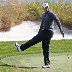 Tiger can't get rolling at Pebble