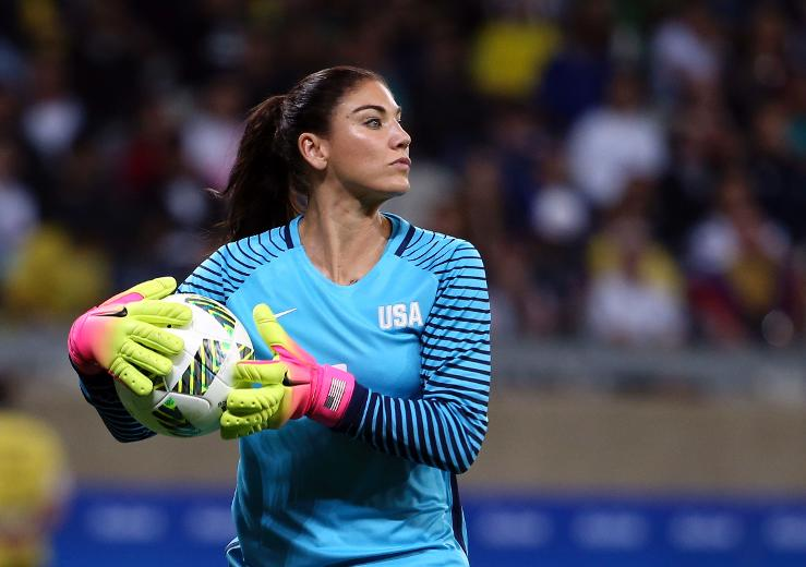 Suspended Hope Solo apologizes for calling Swedish team 'cowards'