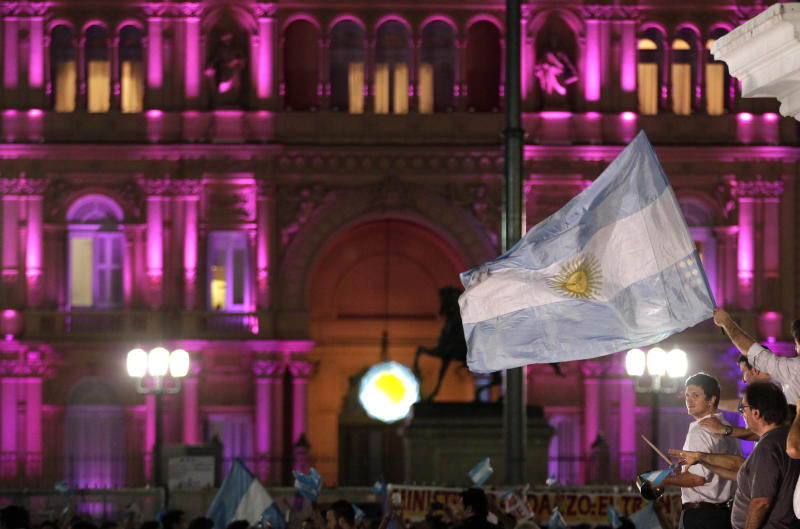 Argentines protest in huge anti-government march