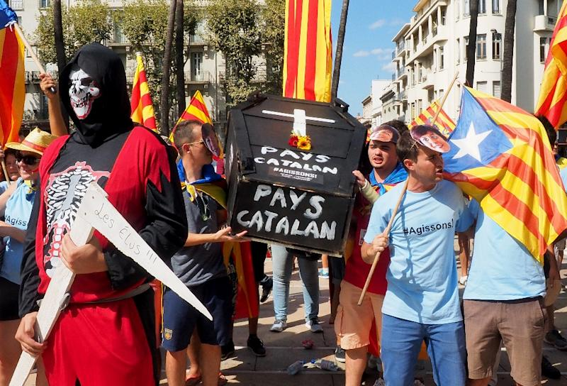 Hundreds of thousands march across in Spain to demand independence for Catalonia