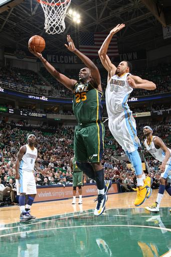Jefferson scores 28 as Jazz beat Nuggets 105-103
