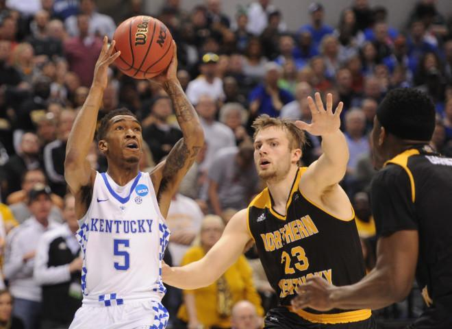 Kentucky rejects Wichita State's upset bid