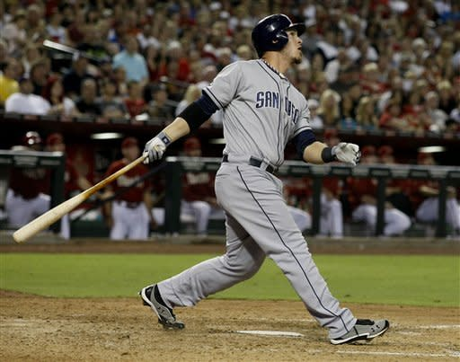 Grandal's HR propels Padres to first Arizona sweep