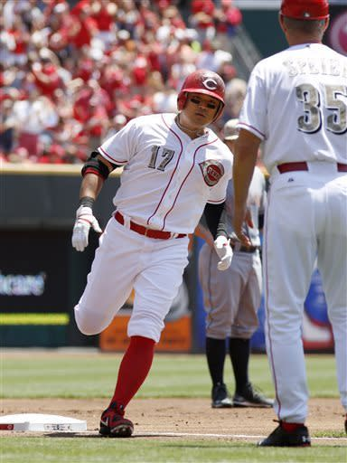 Votto's HR in 8th lifts Reds over Indians 4-2
