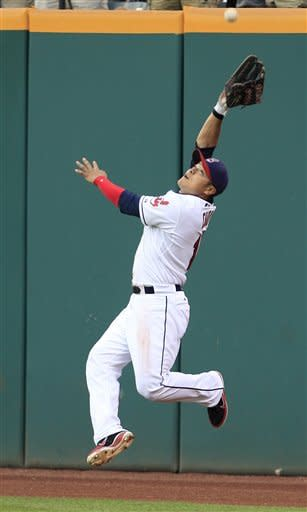 Masterson snuffs Reds in Indians' 8-1 win