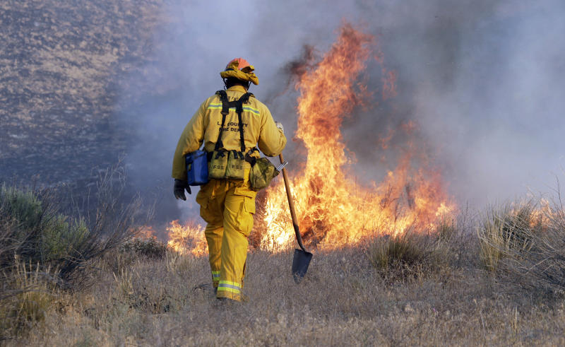 Containment of Calif. fire doubles to 40 percent