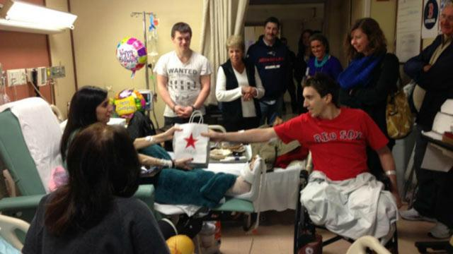 Jeff Bauman Gives Present to Fellow Boston Bombing Victim (ABC News)