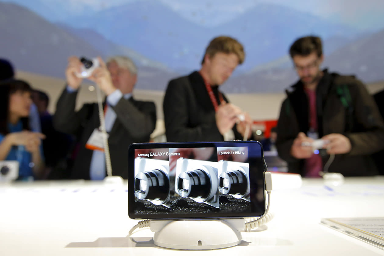 Android-powered Samsung Galaxy Cameras displayed at the Samsung booth at the International Consumer Electronics Show.