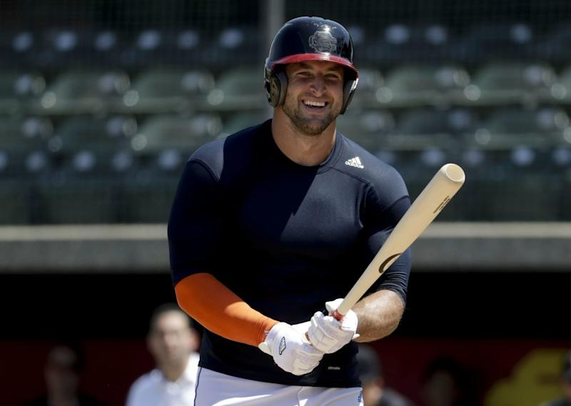 Tim Tebow signs minor-league deal with New York Mets