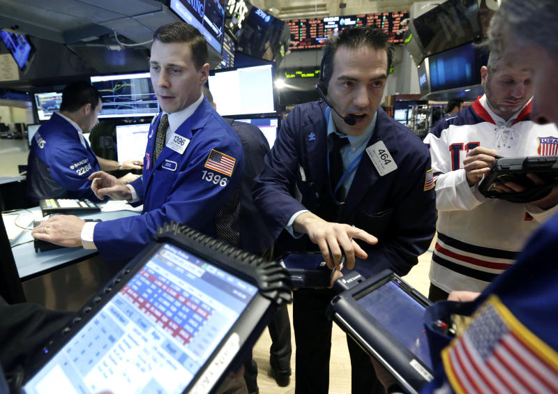 Stocks end slightly lower on China growth worries