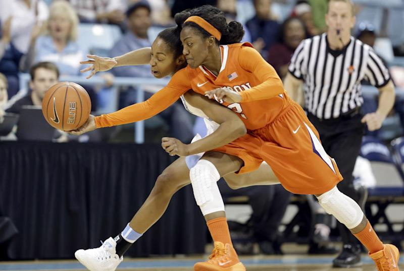 DeShields leads North Carolina women to victory