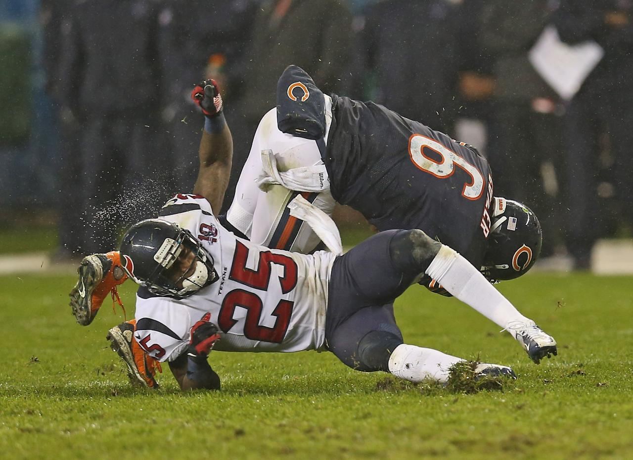 CHICAGO, IL - NOVEMBER 11:  Jay Cutler #6 of the Chicago Bears is hit by Kareem Jackson #25 of the Houston Texans at Soldier Field on November 11, 2012 in Chicago, Illinois. The Texans defeated the Bears 13-6.  (Photo by Jonathan Daniel/Getty Images)