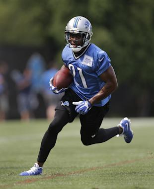 Reggie Bush cracked the 1,000-yard mark rushing last season. (AP)