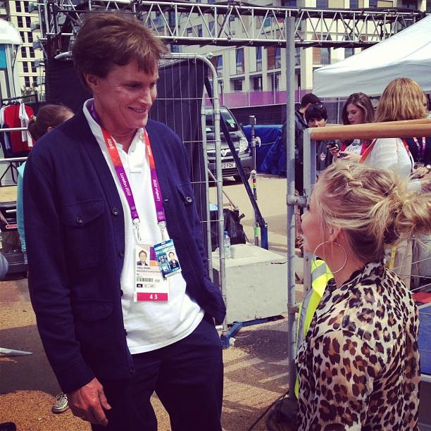 "Shawn Johnson chats with Bruce Jenner. ""Tiny and tall. Great talking to him!"" - @ShawnJohnson via Twitter"