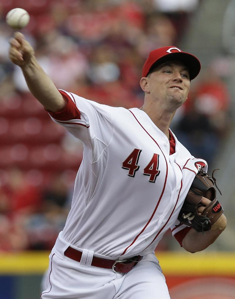 Leake leads Reds over Diamondbacks 3-0