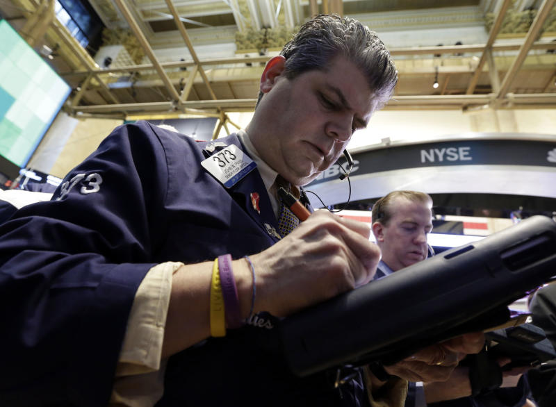 Dow notches ninth straight gain, longest since '96