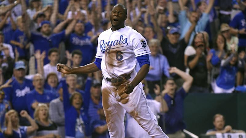 Cubs get closer Wade Davis from Royals for OF Jorge Soler