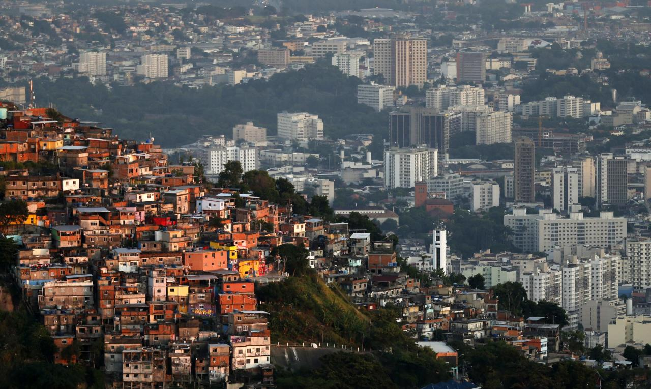 A view of the Turano slum in Rio de Janeiro March 11, 2014. Rio de Janeiro is one of the host cities for the 2014 soccer World Cup in Brazil. REUTERS/Sergio Moraes (BRAZIL - Tags: SPORT SOCCER WORLD CUP TPX IMAGES OF THE DAY)