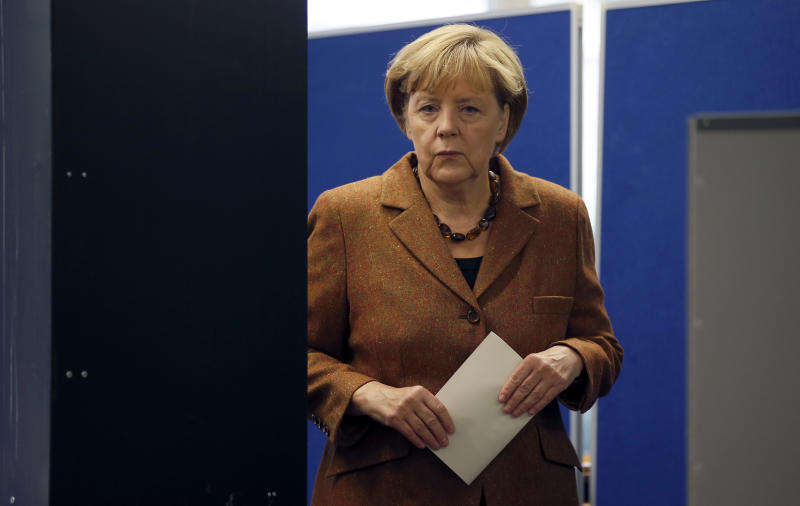 Officials: Turnout high in German election
