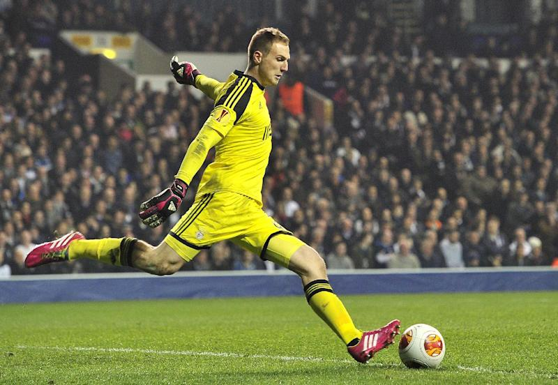 Benfica's Slovenian goalkeeper Jan Oblak kicks the ball at White Hart Lane in north London on March 13, 2014