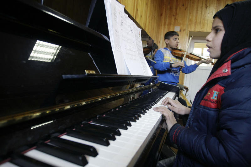 Young Afghan musicians to tour US