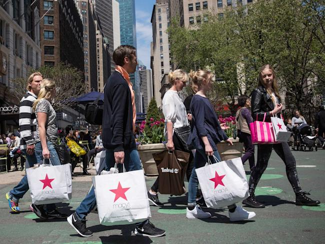 US consumer spending flat for second month in March