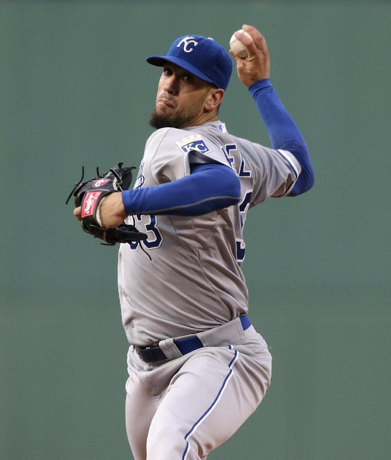 Gomes' pinch HR lifts Red Sox over Royals 5-4