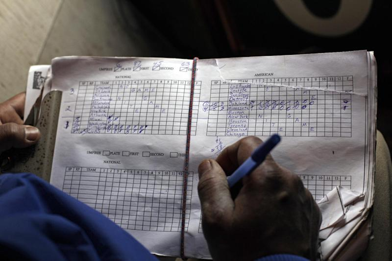 Scorekeeper at Wrigley practices dying art