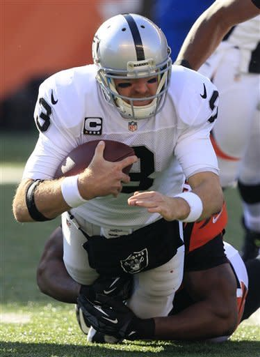 Bengals roll to 34-10 win over Palmer, Raiders