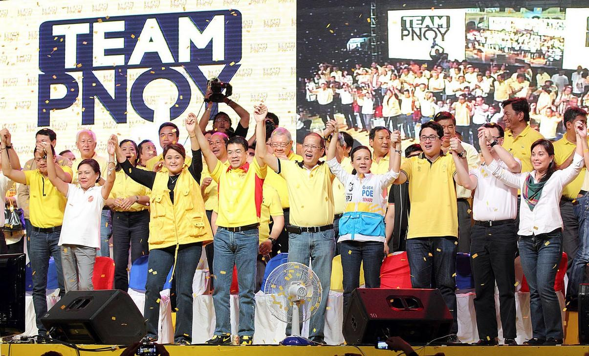 <p>President Benigno Aquino III, also Liberal Party (LP) Chairman, lifts the hands of the LP bets for the upcoming 2013 midterm elections, during the LP proclamation rally held at Plaza Miranda infront of the Quiapo Church in Manila, 12 February 2013. Today is the start of the 90-day campaign period given to candidates running for elected positions in the May 13, 2013 elections. (Czeasar Dancel/NPPA Images)</p>