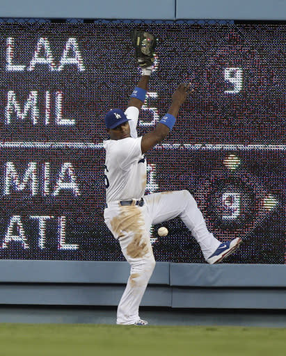 Dodgers get Young, rally to beat Padres 2-1