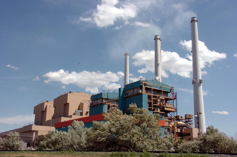 Large Montana coal plant to close 2 units