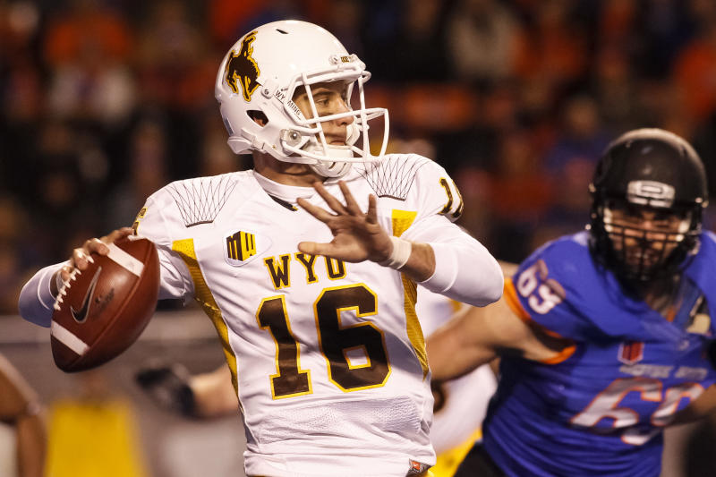 Boise State rolls in 48-7 victory over Wyoming