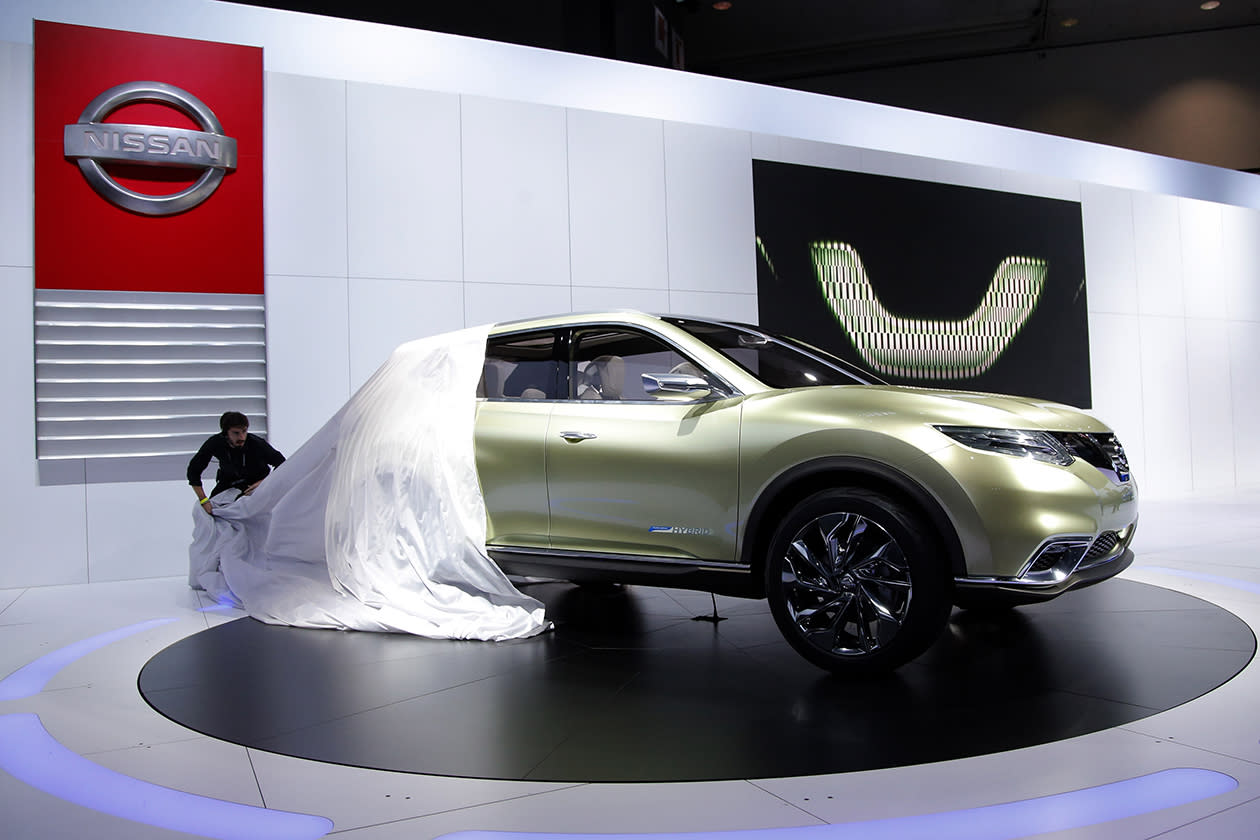 <b>Nissan Hi-Cross hybrid<br><br></b>The Nissan Hi-Cross hybrid concept is unveiled at the LA Auto Show.