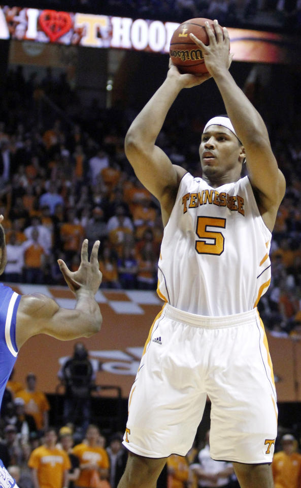Tennessee's Jarnell Stokes (5) shoots in the first half of an NCAA college basketball game against Kentucky on Saturday, Jan. 14, 2012, in Knoxville, Tenn. Kentucky won 65-62. (AP Photo/Wade Payne)