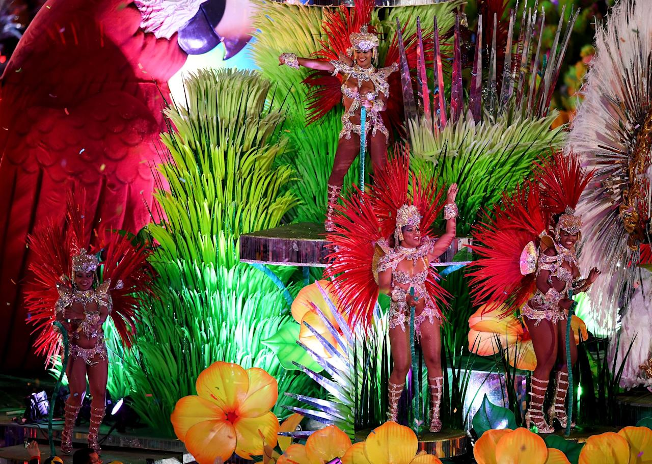 "<p>Samba dancers perform in the ""Cidade Maravilhosa"" segment during the Closing Ceremony on Day 16 of the Rio 2016 Olympic Games at Maracana Stadium on August 21, 2016 in Rio de Janeiro, Brazil. (Photo by Pascal Le Segretain/Getty Images) </p>"