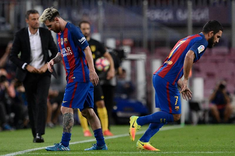 Lionel Messi ruptures adductor muscle against Atletico