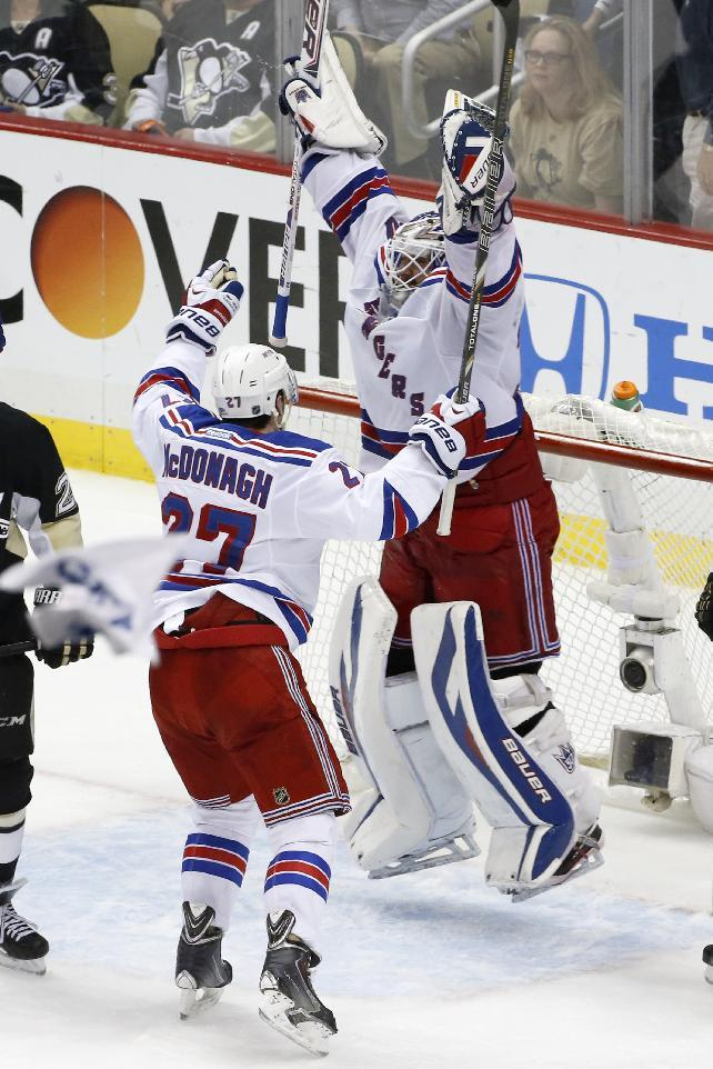 Rangers cap comeback, top Penguins 2-1 in Game 7
